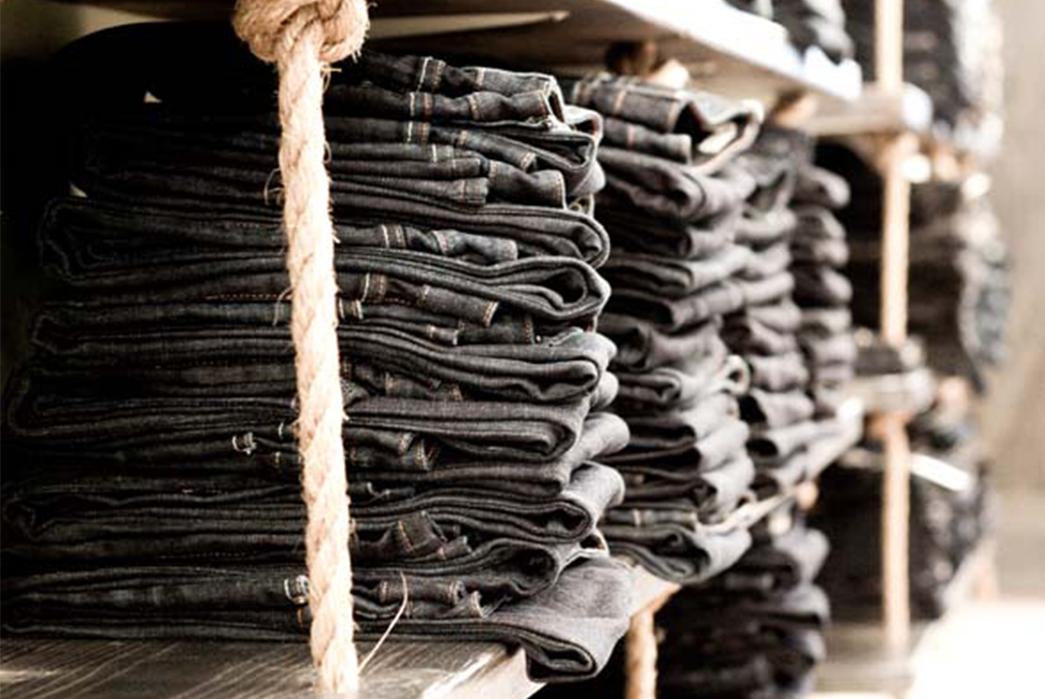 dutil-the-quintessential-denim-haven-folded-jeans-perspective
