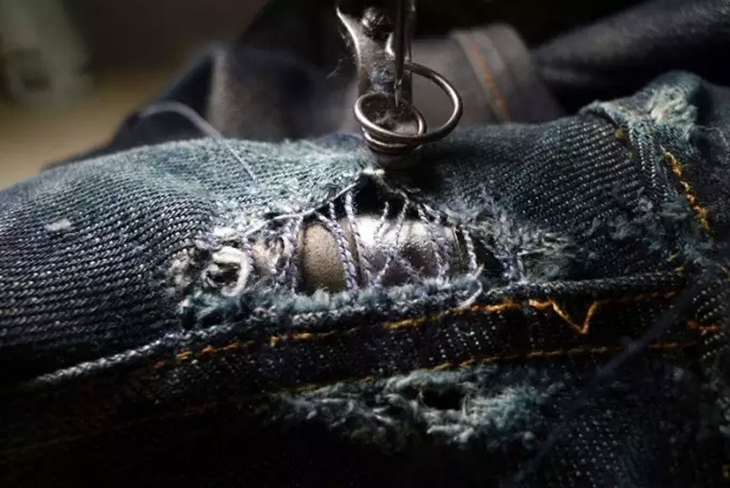 How-To-Repair-Raw-Denim-Holes-&-Blowouts-via-Darning