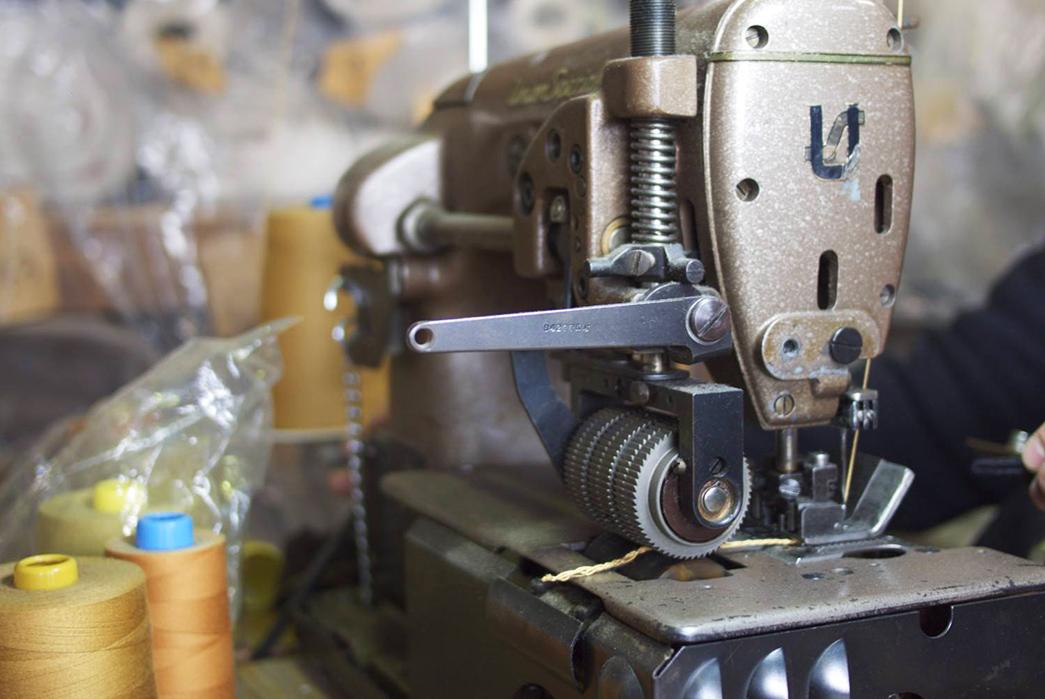 a-photo-tour-of-ooe-yofukuten-chain-stitching-machine