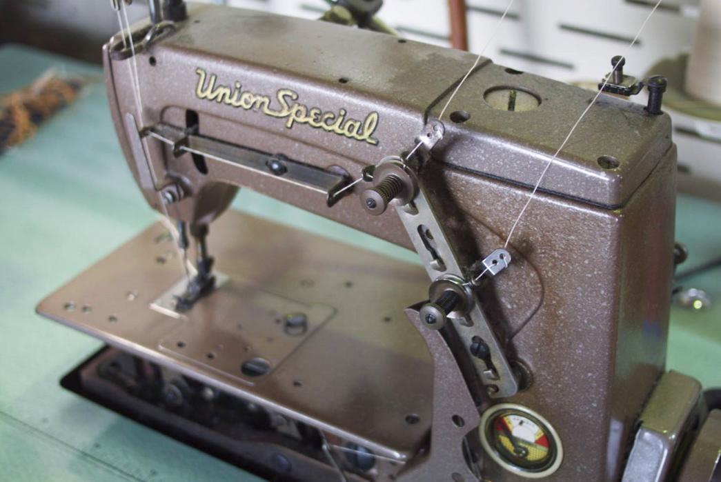 a-photo-tour-of-ooe-yofukuten-the-reliable-single-needle-chain-stitcher