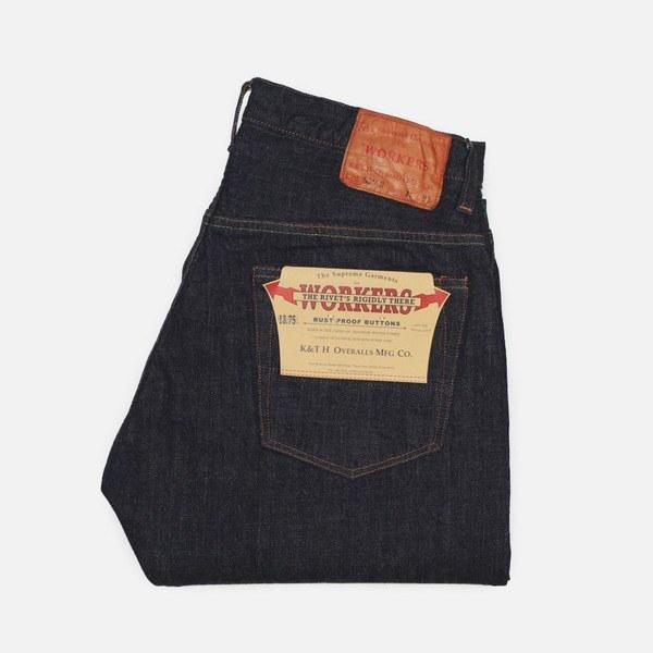 workers back pocket detailing
