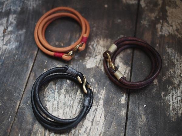 Hollows Leather Triple Wrap Hook Bracelet
