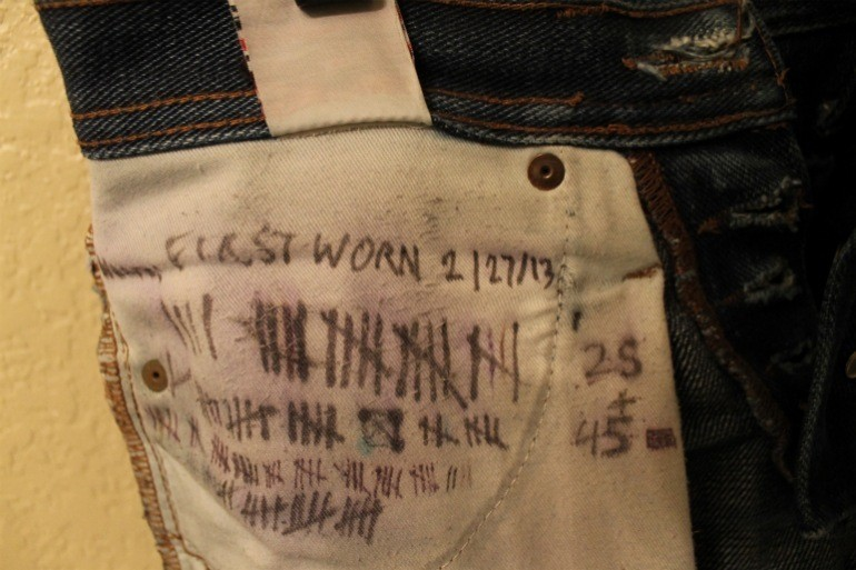 Fade tally marks on pocket UB221
