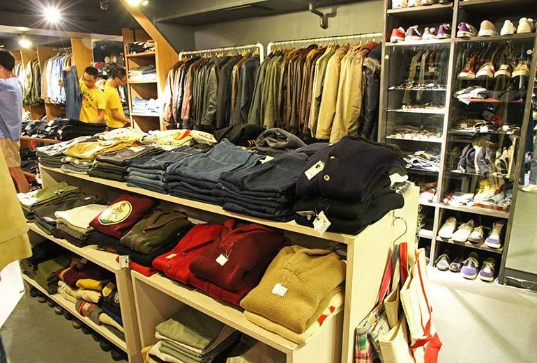 Safari 3rd Store Inside 2