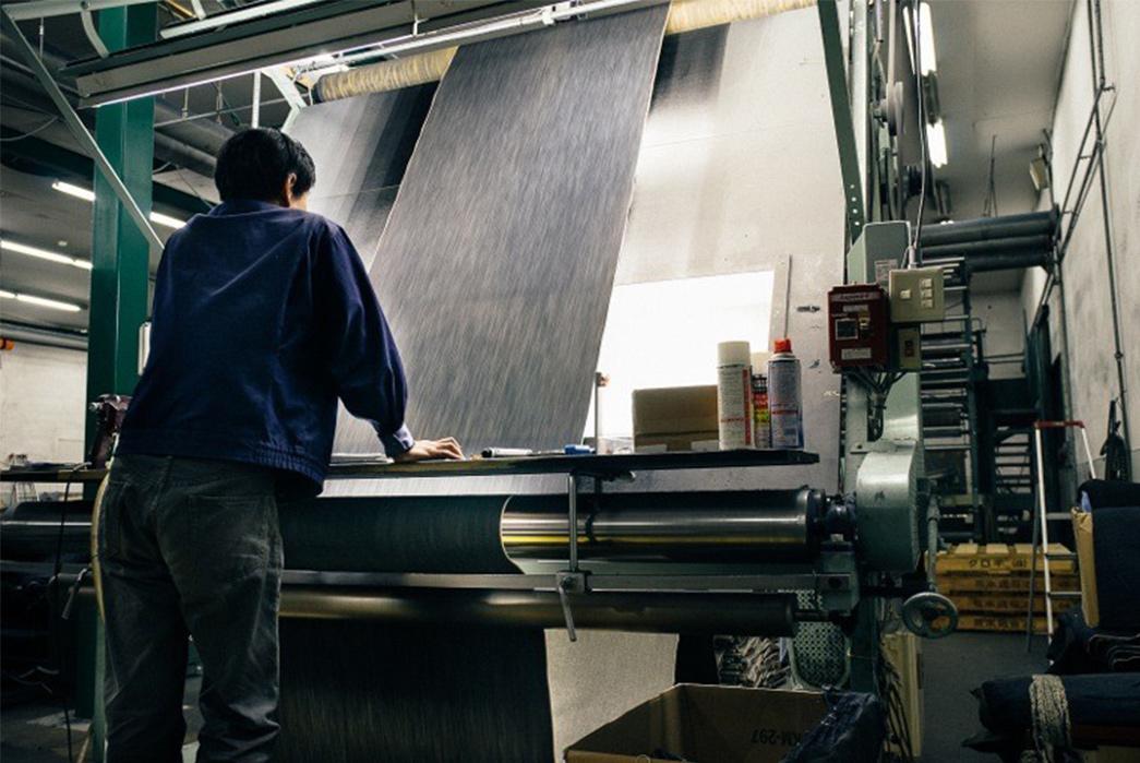 3sixteens-tour-of-kuroki-mills-denim-from-start-to-finish-controling-blue-textile