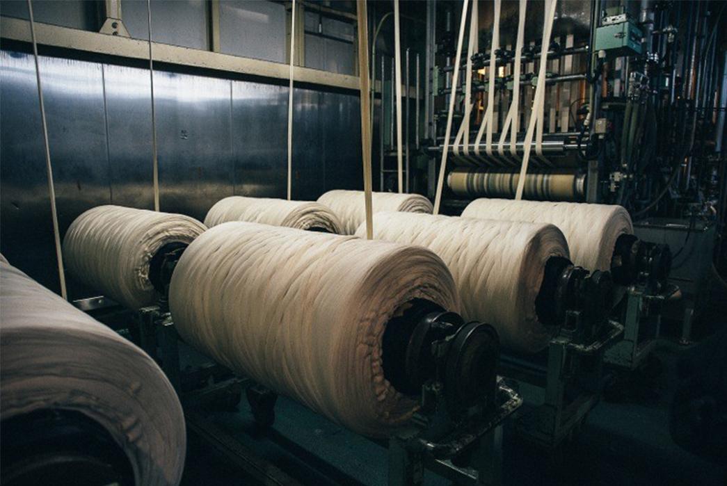 3sixteens-tour-of-kuroki-mills-denim-from-start-to-finish-many-rollers