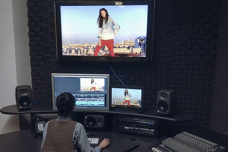 Kapital World Movie Producer, Hsaing Chin Moe, in the studio.