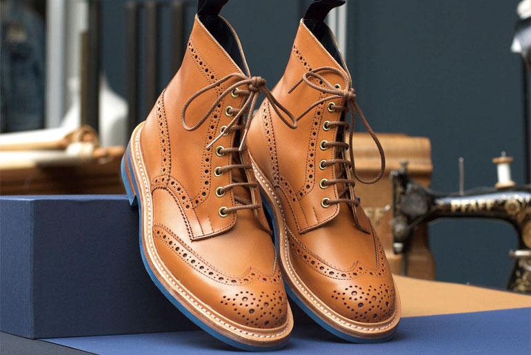 tenue-de-nimes-x-trickers-acorn-stow-boot