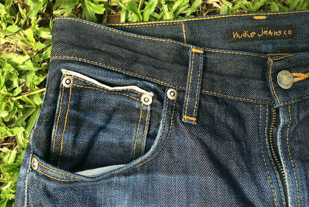 fade-of-the-day-nudie-thin-finn-dry-heavy-selvage-1-year-0-washes-1-soak-front-top-right-pockets