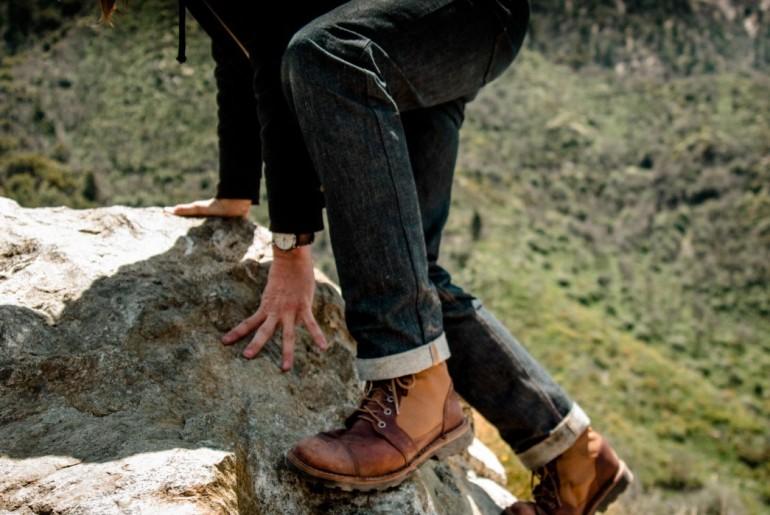 Chrome-Industries-Wyatt-8%-Dyneema-Blend-Denim-Five-Pocket-Jeans-lifestyle</a>
