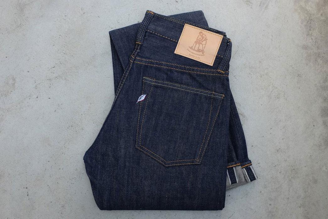 Pure-Blue-Japan-AI-13-TSM-Hand-Dyed-Natural-Indigo-Jeans-folded