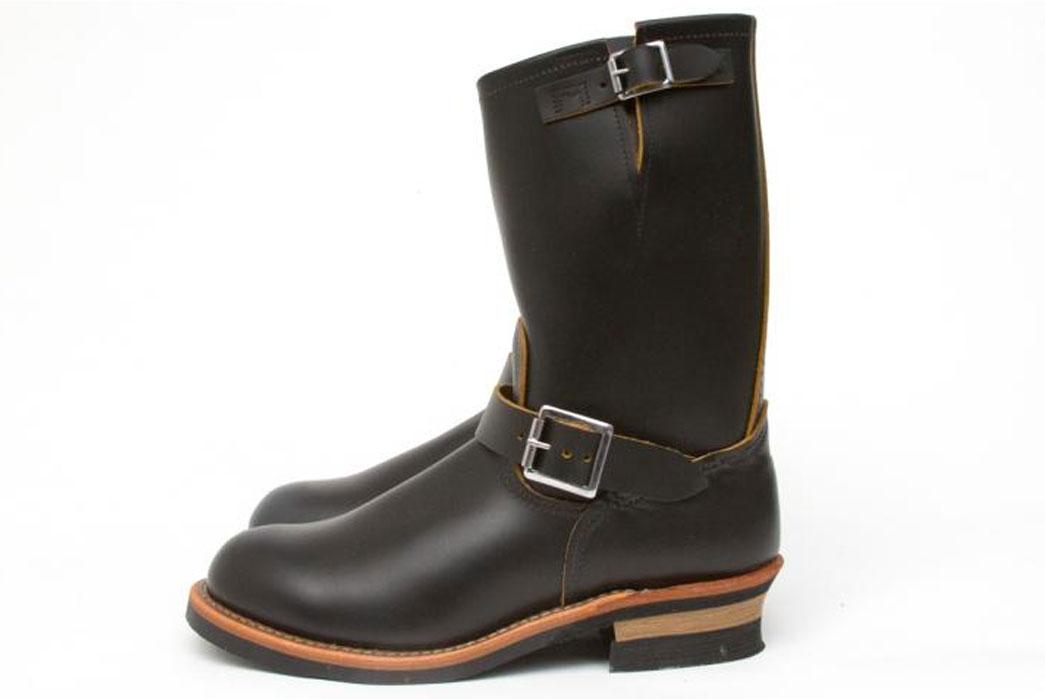 Red-Wing-Shoes---2966-Non-Steel-Toe-Engineer-Black-Klondike-side