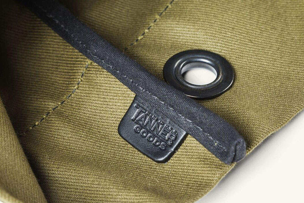 Tanner-Goods-Cargo-Carryall-Duffle-label