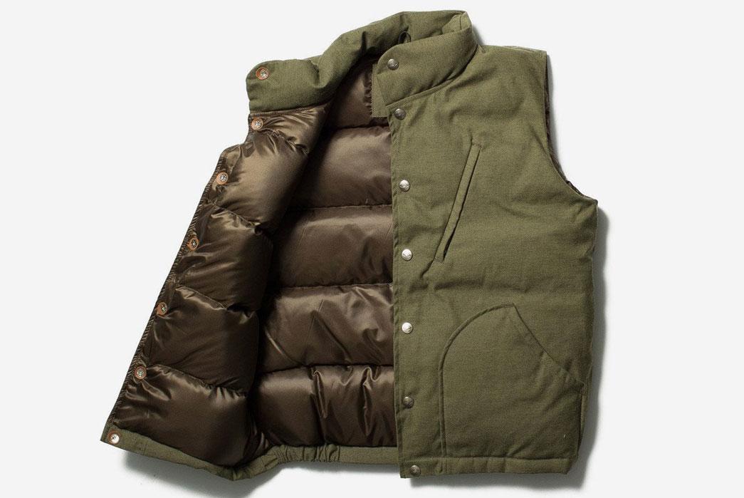 battenwear-made-in-usa-batten-down-vest-front-open