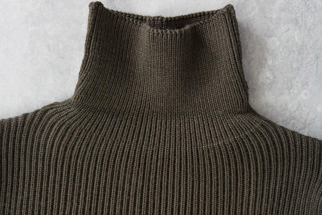 andersen-andersen-symmetrical-turtleneck-sweaters-green-neck-open