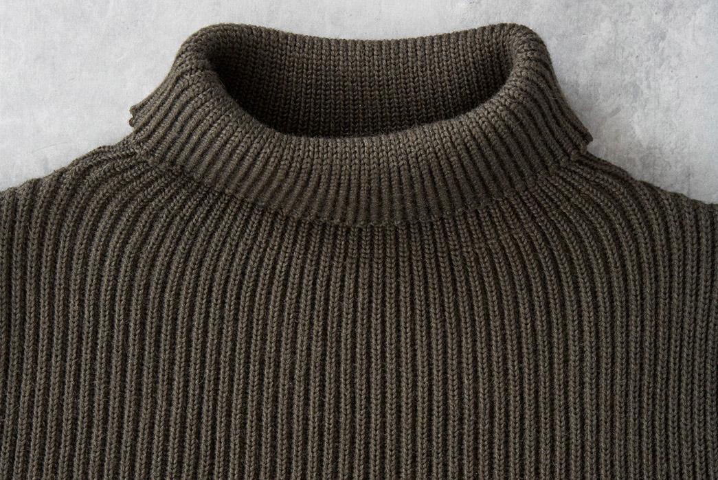 andersen-andersen-symmetrical-turtleneck-sweaters-green-neck