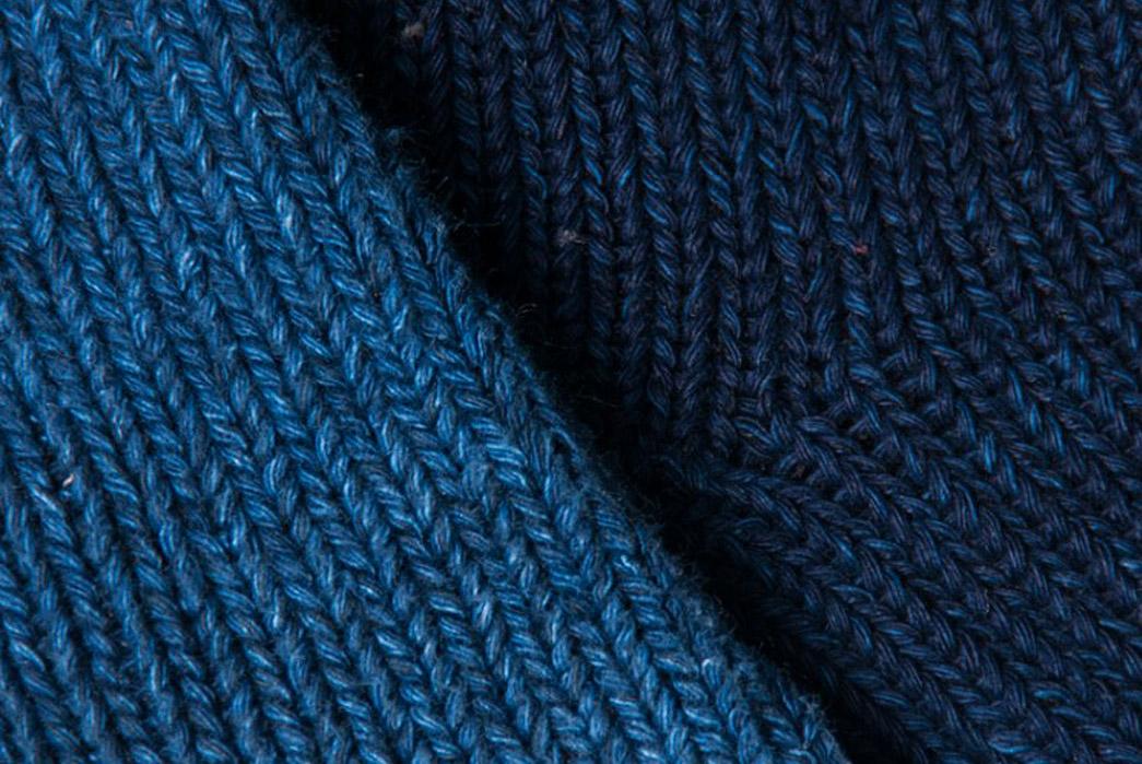 nihon-menpu-mills-indigo-dyed-socks-blue-close