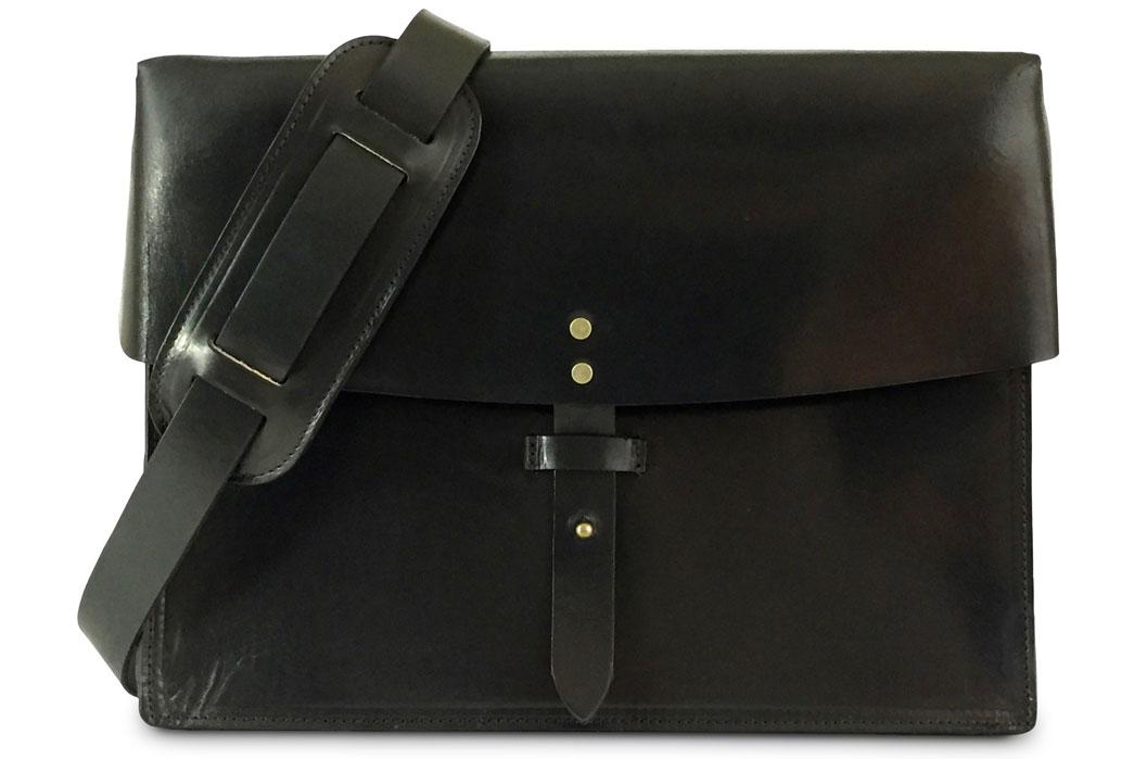 jackson-wayne-black-8oz-leather-messenger-bag-front