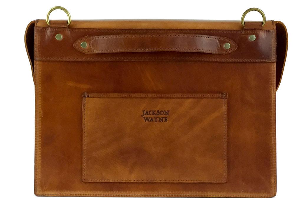 jackson-wayne-saddle-tan-8oz-leather-messenger-bag-top-back