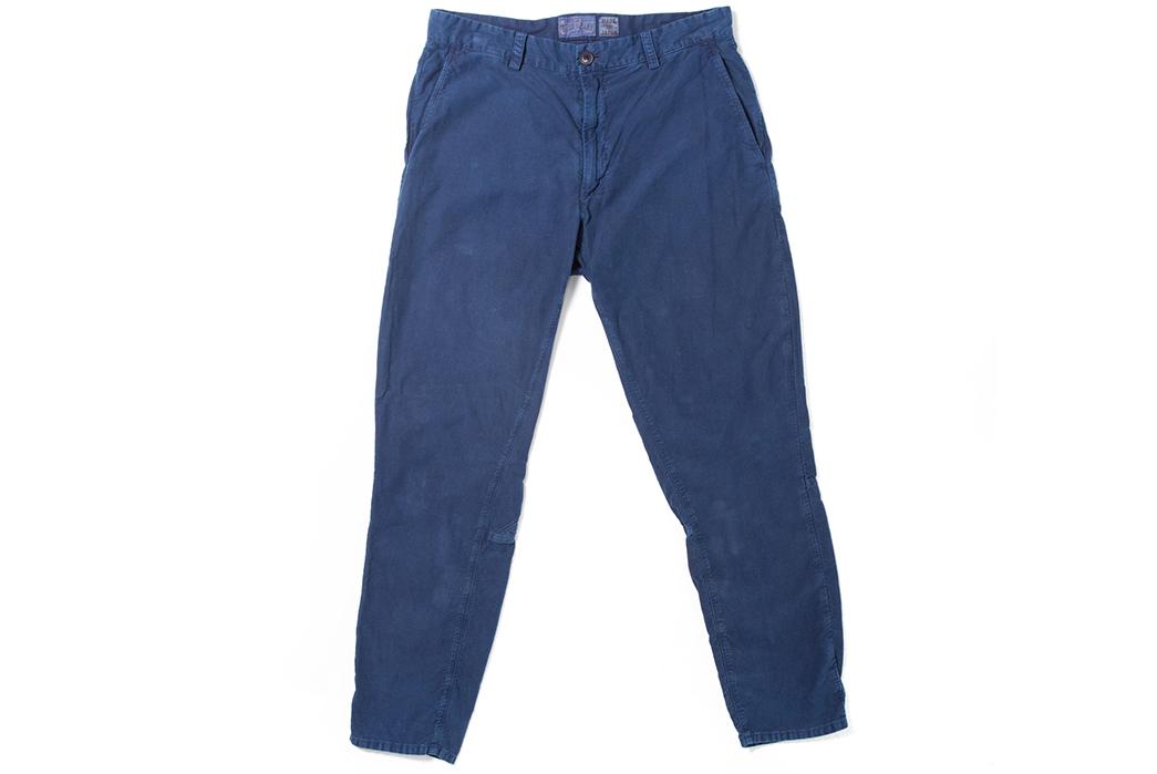 blue-blue-japan-indigo-hand-dyed-moleskin-gardener-pants-model-front