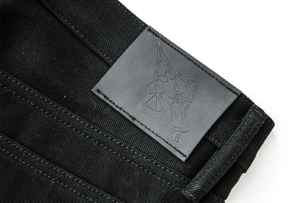 nine-lives-13-5oz-slim-tapered-jeans-black-back-top-label