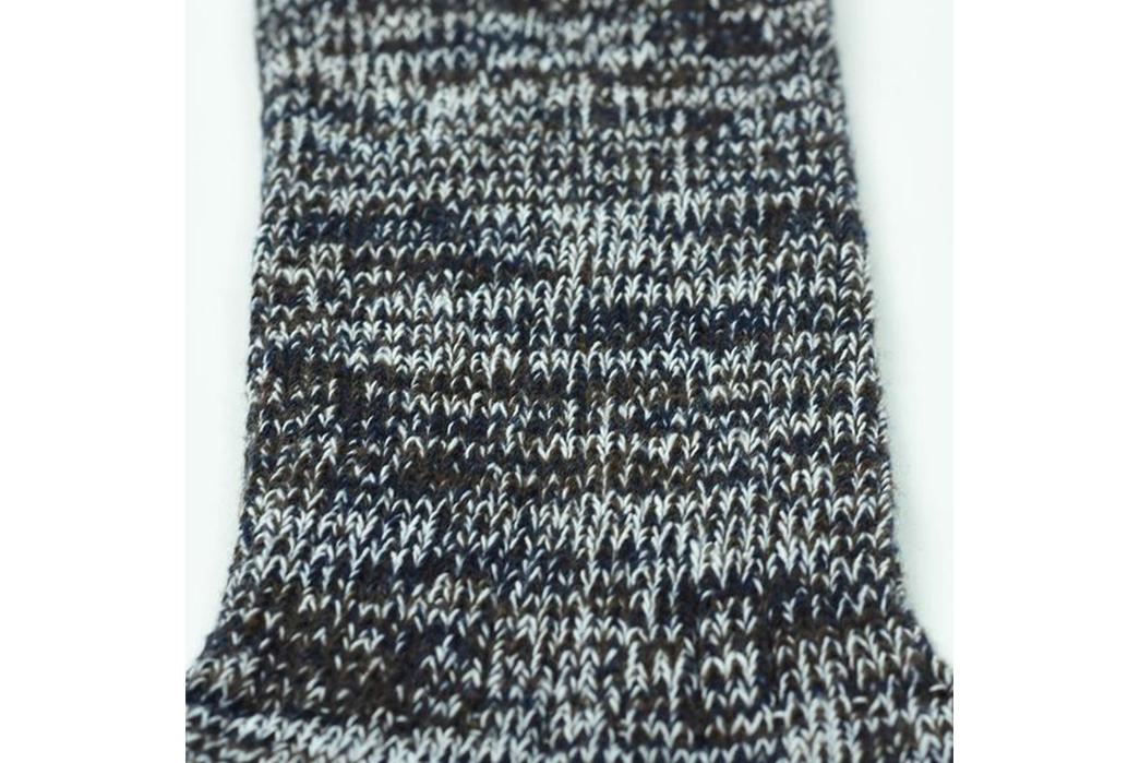 american-trench-random-plait-crew-socks-black-detailed