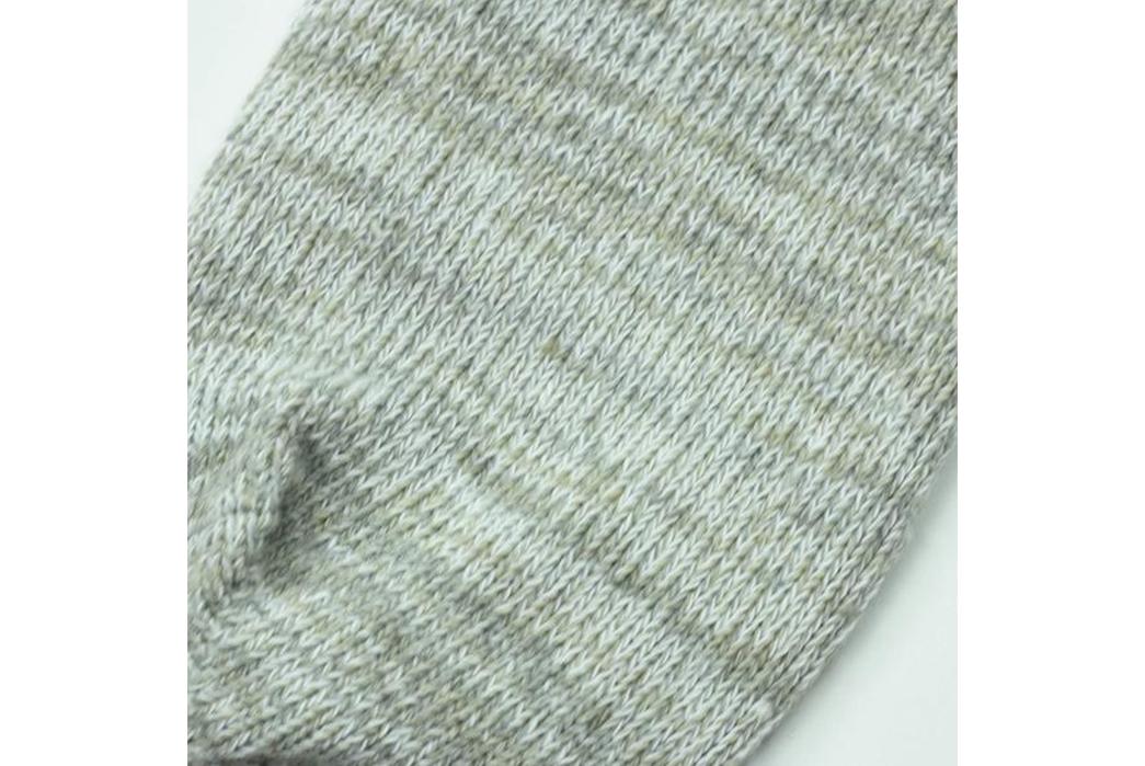 american-trench-random-plait-crew-socks-white-detailed
