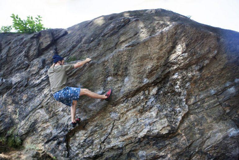 battenwear-spring-summer-2017-lookbook-climbing-on-rock</a>
