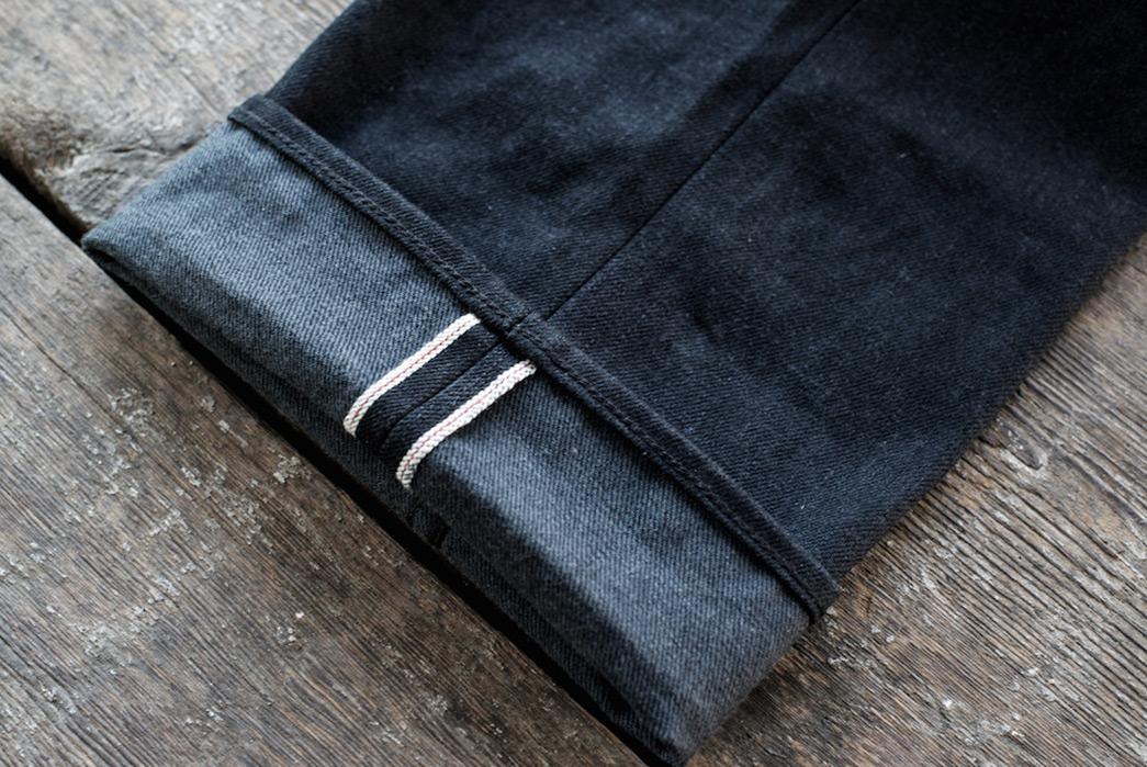 freenote-cloth-portola-taper-jeans-in-14-25oz-yoshiwa-mills-black-x-grey-selvedge-denim-leg-selvedge