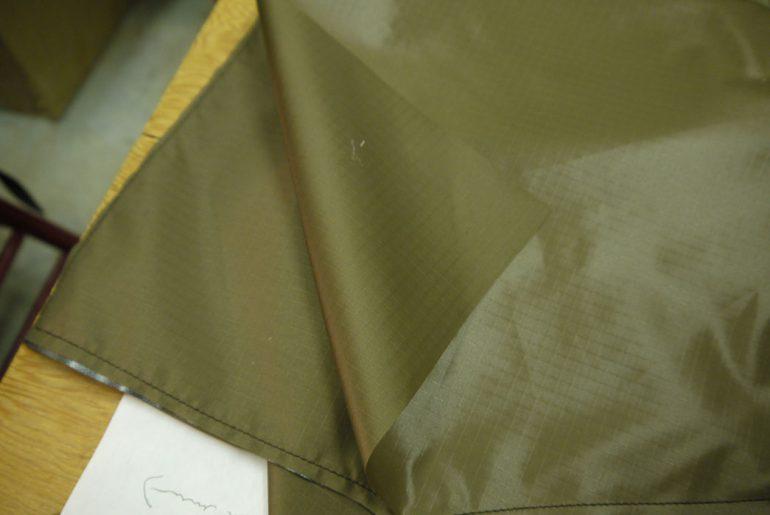 kluane-mountaineering-bottom-pocket-layer