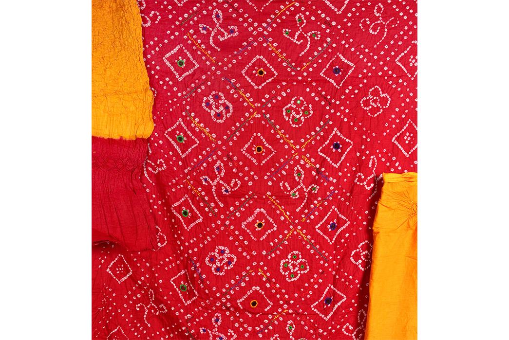 The-History-of-the-Bandana-Example-of-Indian-bandhani-fabric.-Image-via-India-Art