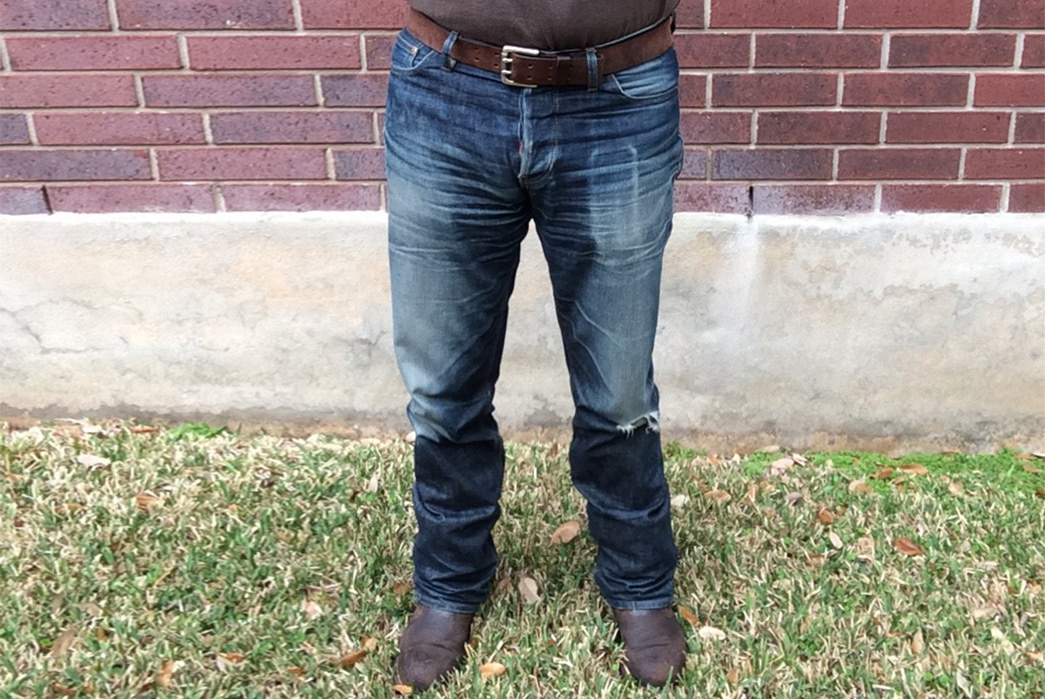 Fade-of-the-Day---Hiut-Denim-Slim-Hack@-(15-Months,-2-Washes)-model-front