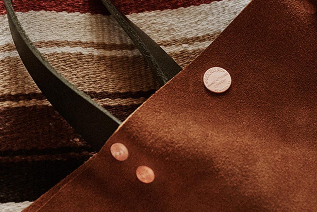 Knickerbocker-Mfg.-Co.-x-D'emploi-Suede-Souvenir-Mail-Bag-detailed