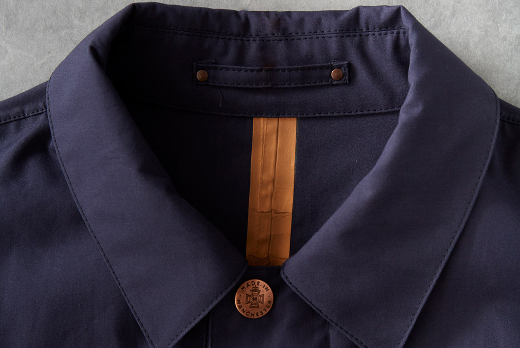 Private-White-VC-Unlined-Ventile-Mac-front-collar