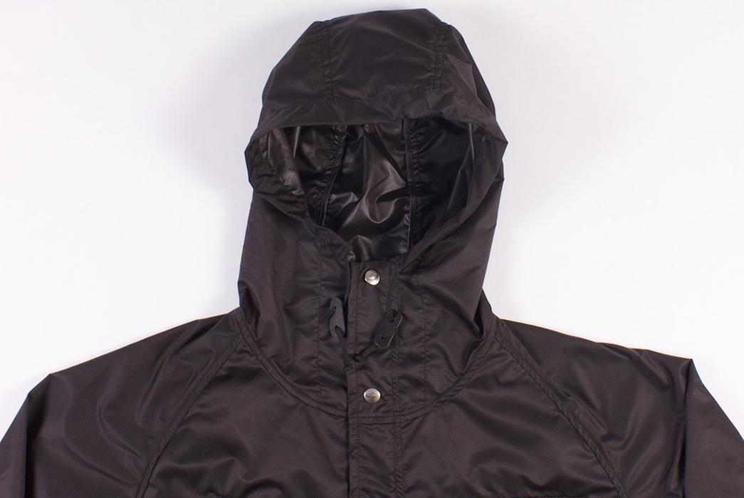 Battenwear-Light-Shell-Parka-front-hood