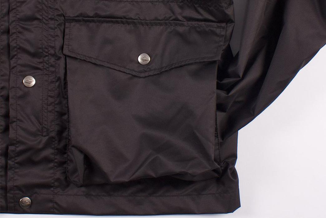 Battenwear-Light-Shell-Parka-front-pocket
