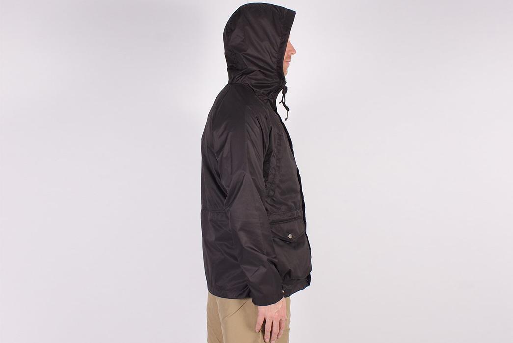 Battenwear-Light-Shell-Parka-model-side-hood-on