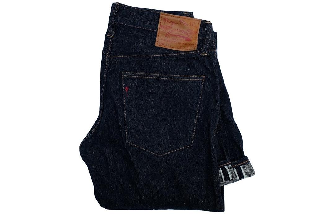 Burgus-Plus-850-16-Slim-Tapered-Jeans-folded