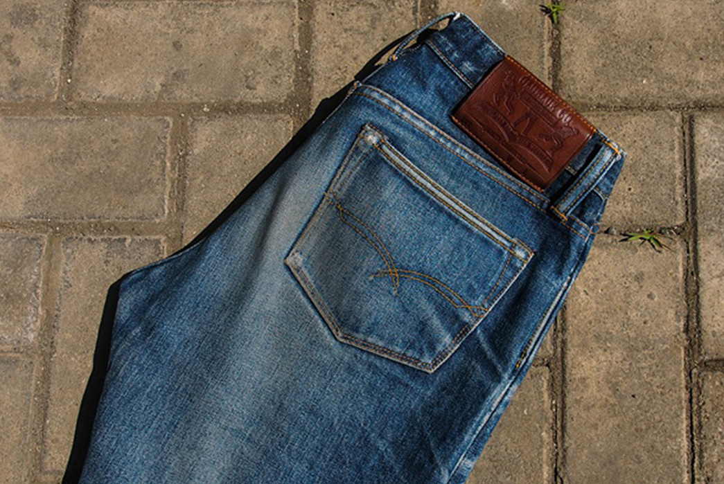 Fade-of-the-Day---Oldblue-Co.-Indonesian-Selvedge-8.25-cut-19-oz.-(1.5-Years,-10-Washes,-1-Soak)-top-back-right-side