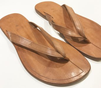 Fade-of-the-Day---Folk-Clothing-x-Limers-Flip-Flops-pair-light-brown-front-side