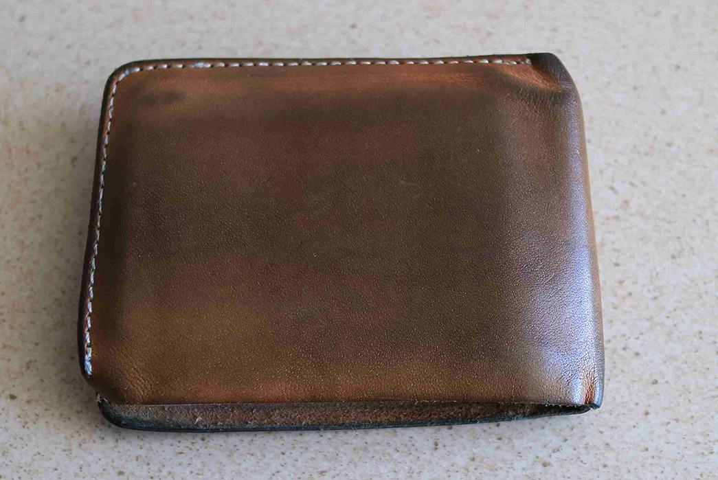 Fade-of-the-Day---LTHRKRFT-veg-tan-bifold-wallet-(9-Months)-front