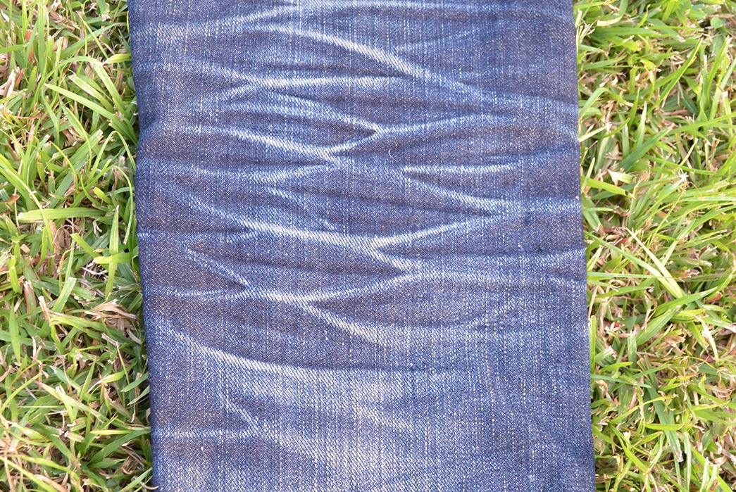 Fade-of-the-Day---Naked-&-Famous-Super-Skinny-Guy-Left-Hand-Twill-(1.5-Years,-2-Washes,-1-Soak)-back-leg-2