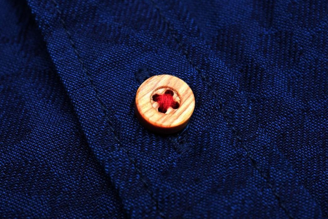 Okayama-Denim-x-Momotaro-Indigo-Jacquard-Paisley-Aloha-Shirt-button