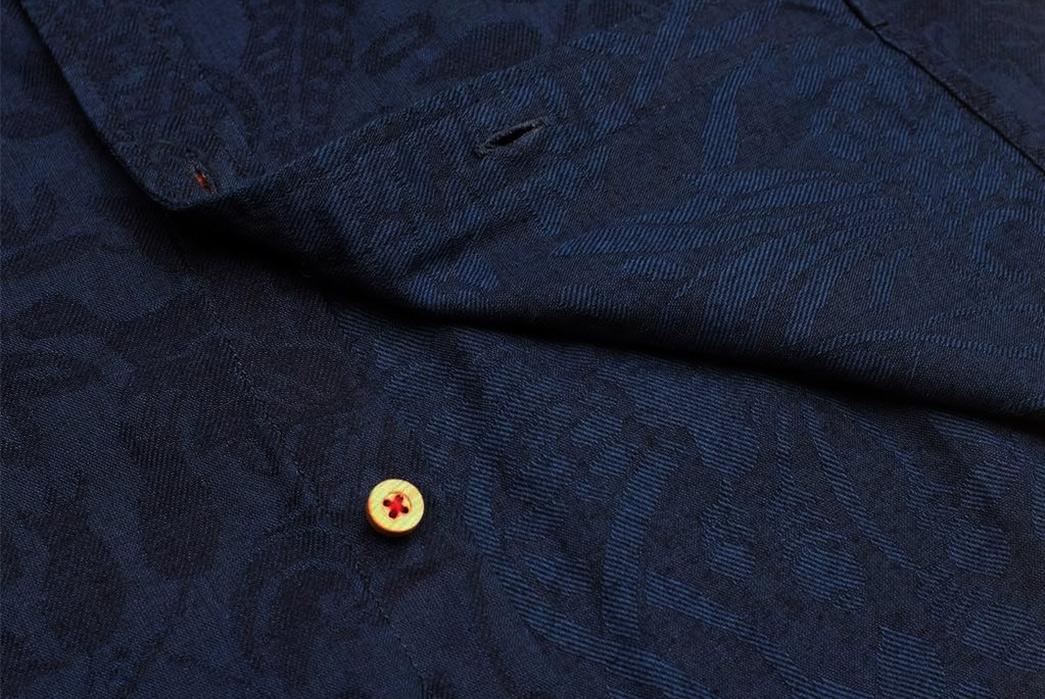 Okayama-Denim-x-Momotaro-Indigo-Jacquard-Paisley-Aloha-Shirt-inside-and-button