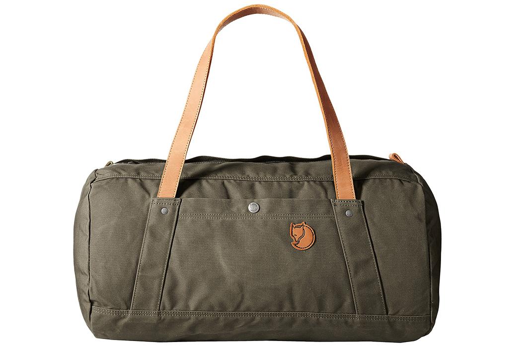 Duffel-Bags---Five-Plus-One-1)-Fjällräven-Duffel-No.-4-in-Dark-Olive