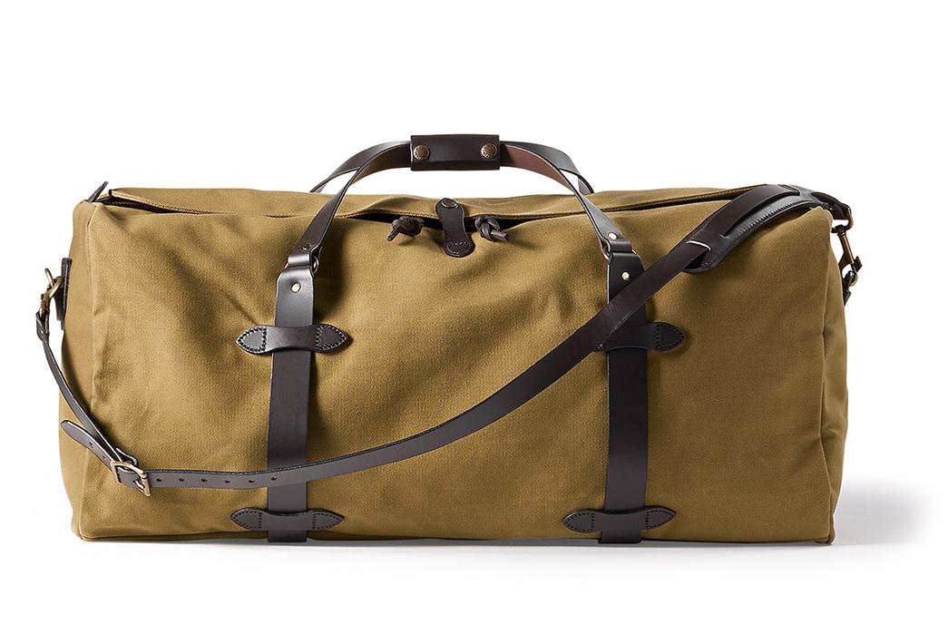 Duffel-Bags---Five-Plus-One-2)-Filson-Large-Duffel-in-Tan-Twill
