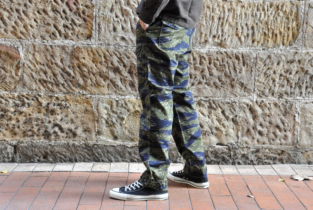 Freewheelers-Krafty-Tiger-Camo-Chino-model-side