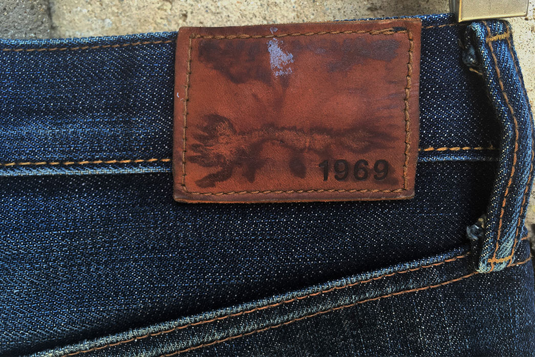 Fade-of-the-Day---Gap-1969-Kaihara-(2-Years,-3-Washes,-1-Soak)-back-top-leather-patch