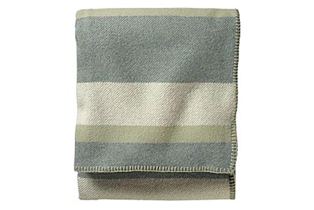 100%-Wool-Blankets---Five-Plus-One-2)-Pendleton-Eco-Wise-Wool-Blanket