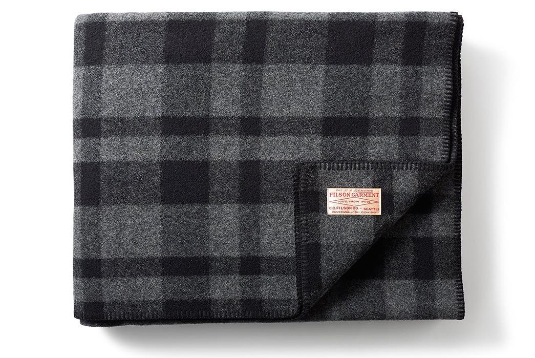 100%-Wool-Blankets---Five-Plus-One-3)-Filson-Mackinaw-Blanket